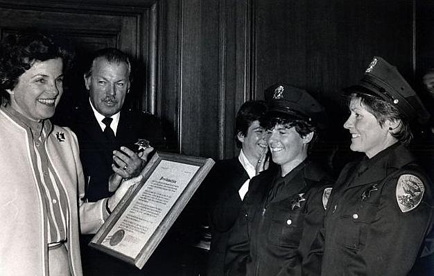 Mayor Diane Feinstein and Chief Con Dempsey (c) Google